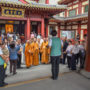 BuddhistUnion-WFB-International-Forum-2017-Volunteers explaining the history of the Buddha Tooth Relic Temple to the foreign delegates