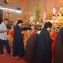 .CNY_OfferingToHeaven_Devotees giving dana to monks
