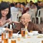 80th_Anniversary -Ven Bao Shi in her joyous mood with Mr Yeo Guat Kwang. Looking on is Ms Seah Lee Eng
